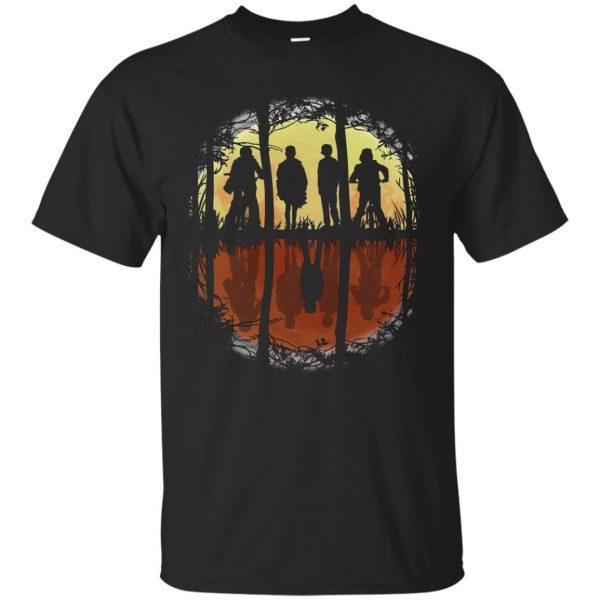 Stranger Friends T-shirt - black